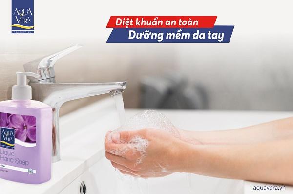 Lựa chọn nước rửa tay sát khuẩn và gel rửa tay khô thế nào cho chuẩn 5