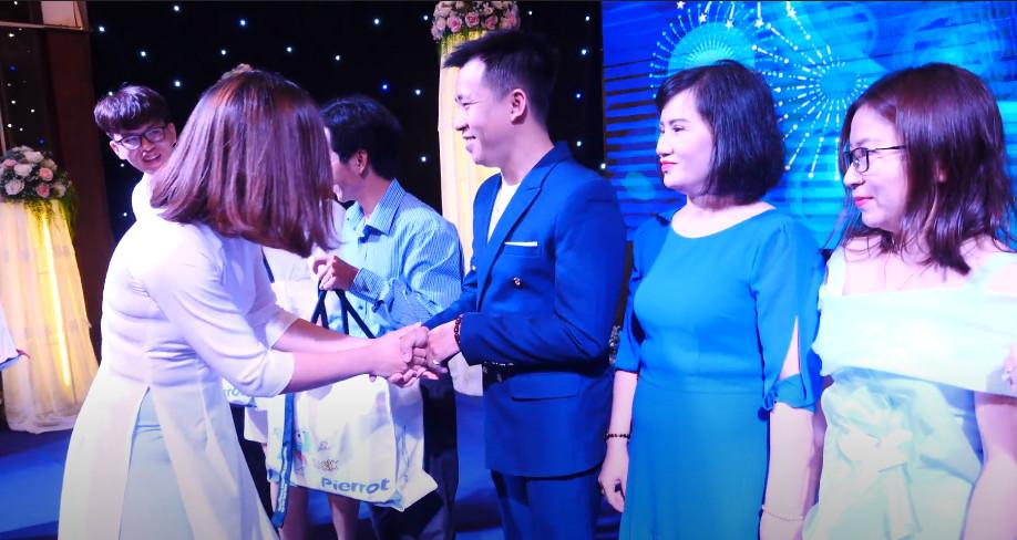 DẠ TIỆC XANH - Hội nghị tri ân khách hàng NPP 3 miền Bắc - Trung - Nam 3