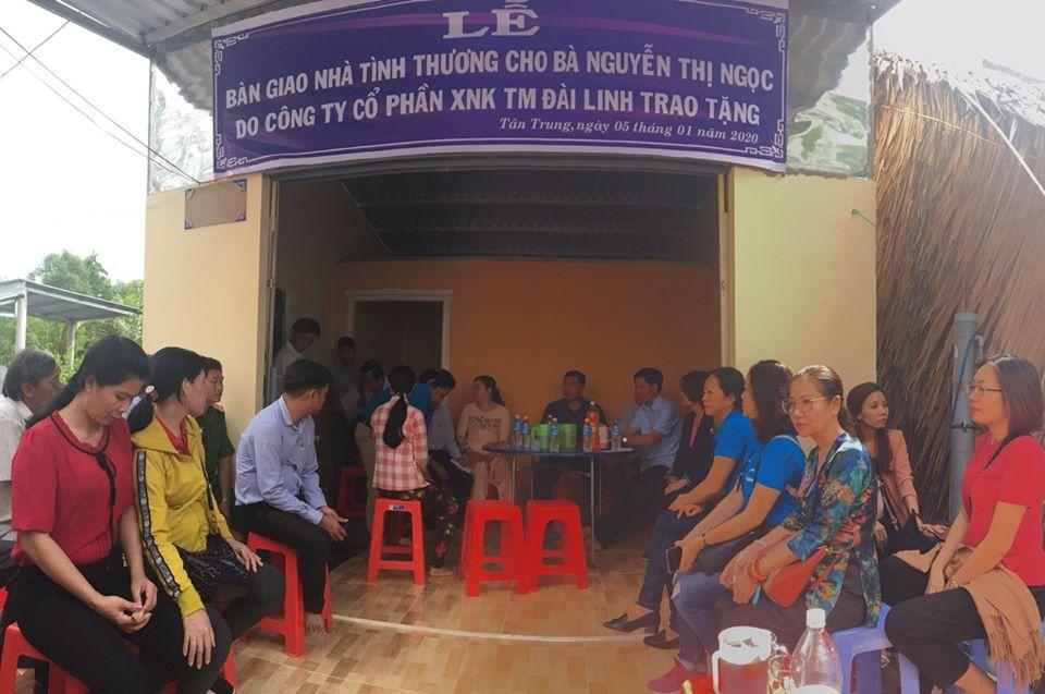 Gia đình nghèo Cà Mau hân hoan đón năm mới trong căn nhà tình nghĩa do Đài Linh Group trao tặng